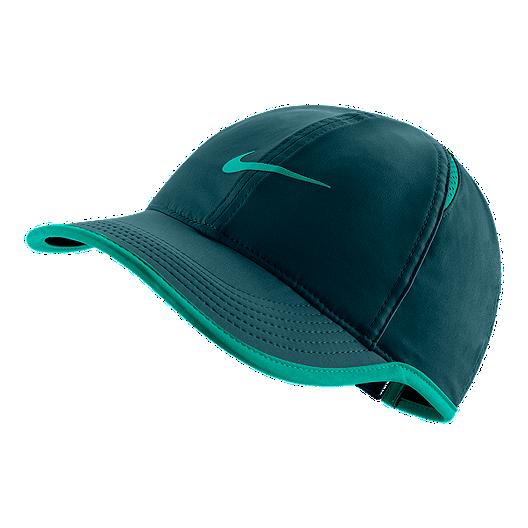 17d81514 Nike Feather Light Women's Cap | Sport Chek