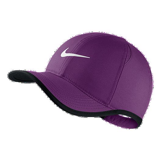 5979a3c6503d4 Nike Kids  Featherlight Adjustable Hat