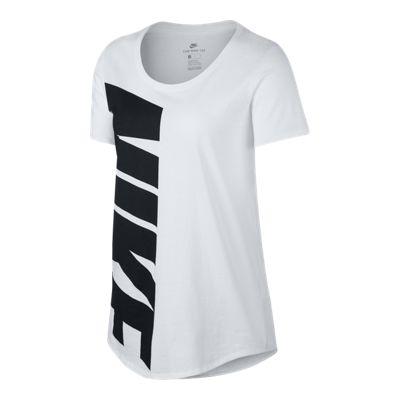 Nike Sportswear Women's Advance 15 Boyfriend T Shirt