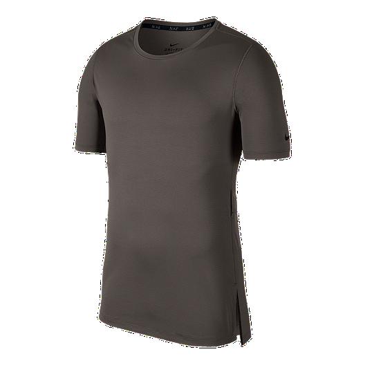 premium selection d5cde b34e9 Nike Men s Utility Fitted Training T Shirt   Sport Chek