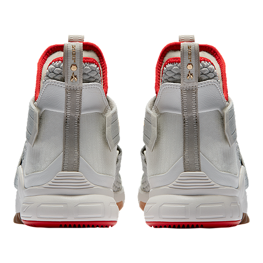 super popular 19679 126c5 Nike Men's LeBron Soldier XII Basketball Shoes - Light Bone ...