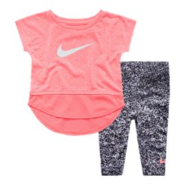 Nike Baby Girls' Sport Essentials Tunic & Capri Pants Set