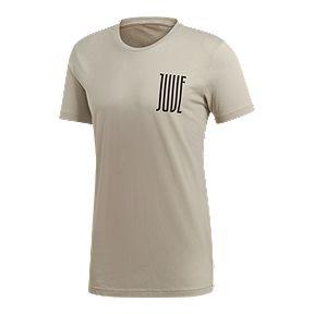 c72a29910 Juventus adidas Men s Graphic T-Shirt