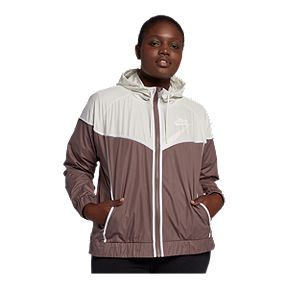 1f18eeb6df1 Nike Sportswear Women s Windrunner Plus Size Jacket
