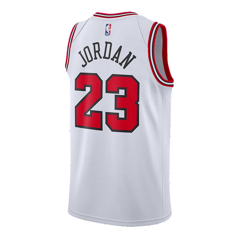 new product 75af8 b2d89 Chicago Bulls Nike Jordan Swingman Road Jersey | Sport Chek
