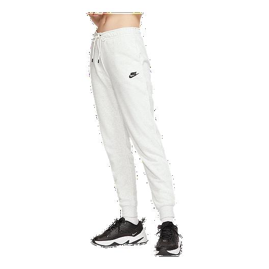 nike sportswear essential pants