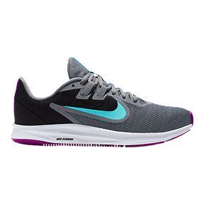 Nike Women's Shoes, Cleats & Sandals