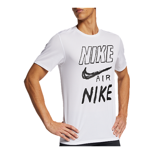 83c173c0 Nike Men's Breathe Graphic T Shirt | Sport Chek