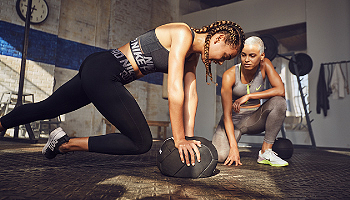 Shop Nike Women's Shoes & Clothing